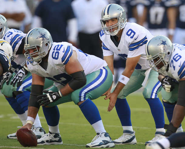 Something is wrong with the Dallas Cowboys uniforms – Aaron s Angle 17ed19a0e